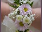Bransoleta kwiatowa wykonana z margerytek