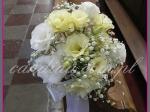 dekoracja ślubna kościoła, dekoracja ławek kwiatami