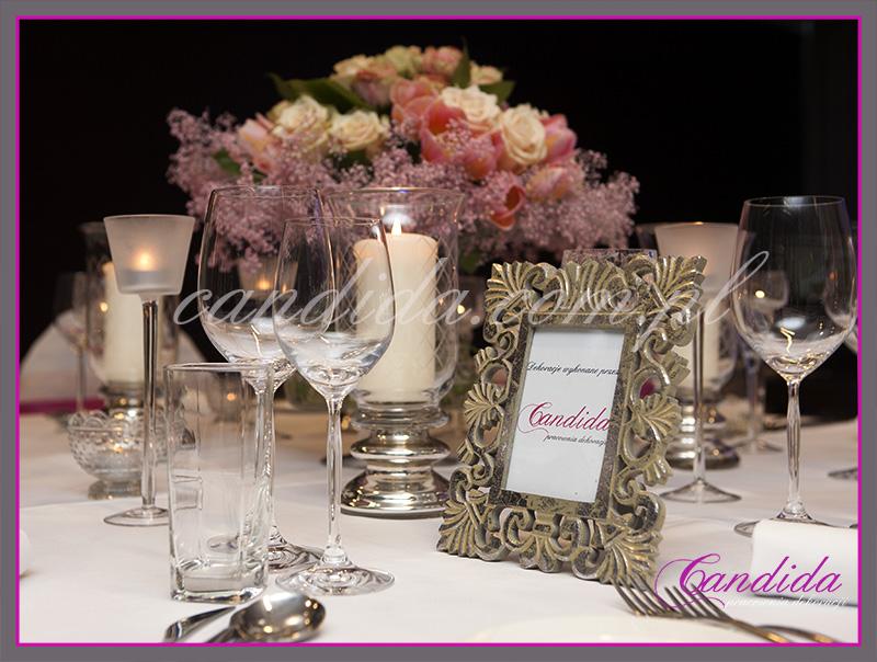 dekoracje stołów weselnych zaprezentowane na targach przez pracownię dekoracji Candida