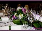 Dekoracja stołów wykonana ze storczyków, alstromerii