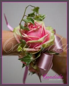 bransoleta kwiatowa dla świadkowej z róży