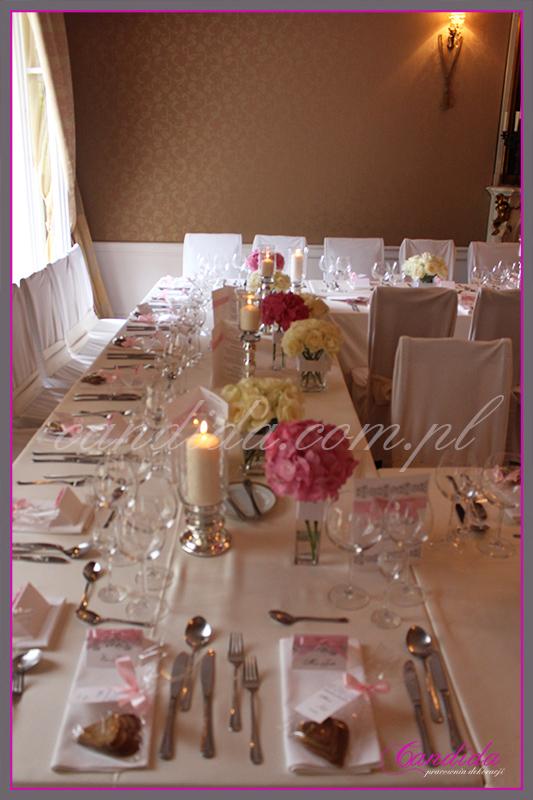 wesele w restauracji Pod Gigantami, dekoracje sali weselnej, dekoracje przyjęcia weselnego