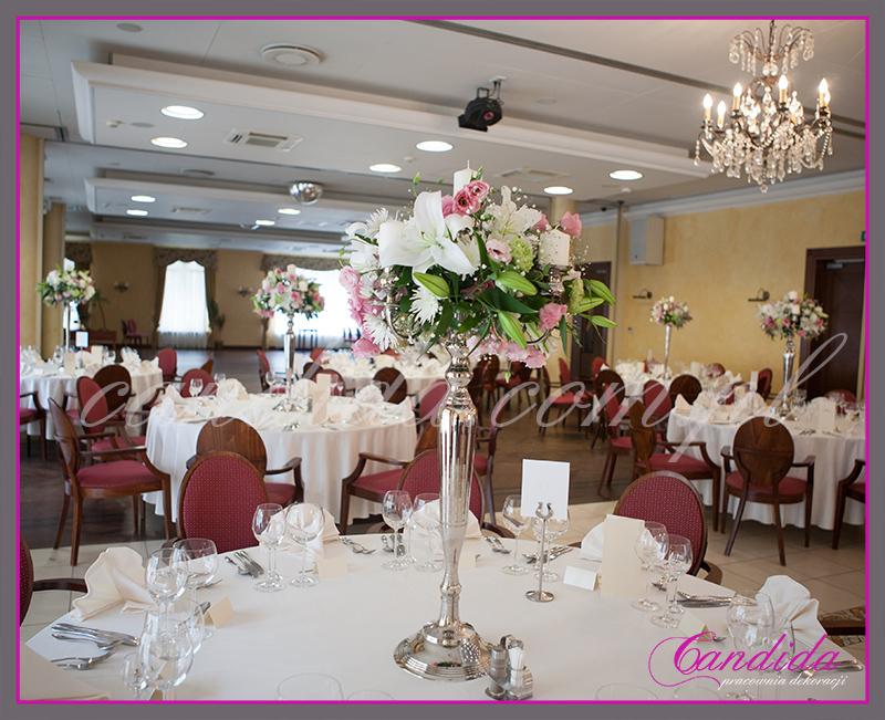 dekoracje weselne w hotelu Pan Tadeusz, wesele w hotelu Pan Tadeusz, dekoracje stołów i sal weselnych, kandelabry