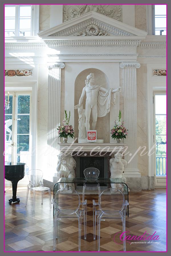 ślub w Łazienkach, kwiatowe dekoracje ślubne