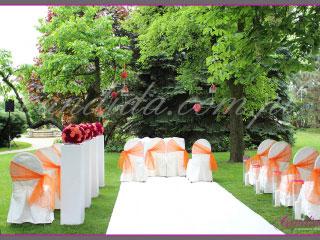 ślub w plenerze dekoracje kwiatowe ślubu w plenerze w Villa Park Julianna 10