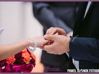 dekoracje kwiatowe ślubu w plenerze w Villa Park Julianna 18