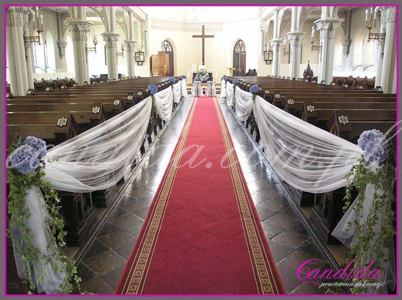 dekoracja ślubna kościoła, niebieska hortensja