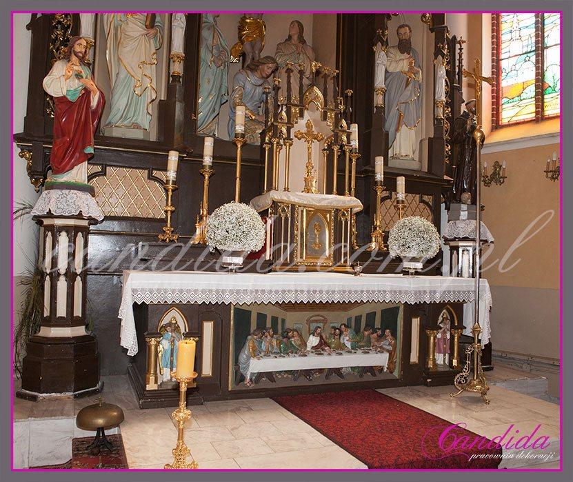 dekoracja tabernakulum z gipsówki
