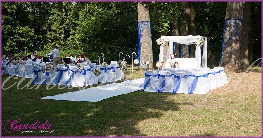 dekoracje ślubne plenerowe, ślub w plenerze, kwiaty do ślubu