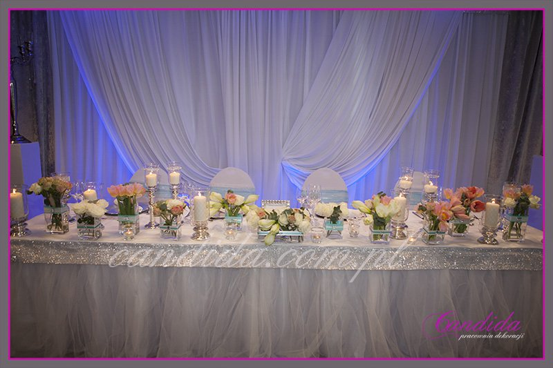 dekoracja stołu Państwa Młodych