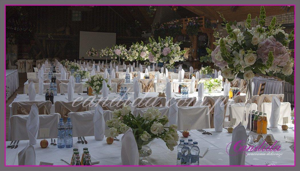 dekoracja sali weselnej w hotelu Boss, dekoracja kwiatowa, kompozycje kwiatowe z hortensji, storczyków, róż, eustomy, lilii, tulipanów 6