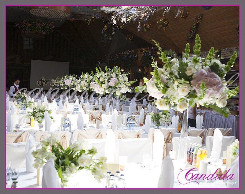 dekoracja sali weselnej w hotelu Boss, dekoracja kwiatowa, kompozycje kwiatowe z hortensji, storczyków, róż, eustomy, lilii, tulipanów