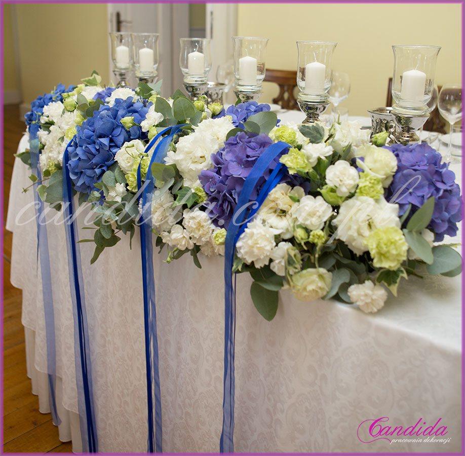 ślub i wesele w kolorze kobaltowym, dekoracja stołu Młodej Pary, Dwór Radzin
