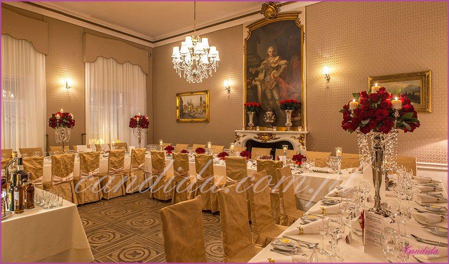 dekoracje weselne w restauracji Pod Gigantami dekoracja sali weselnej