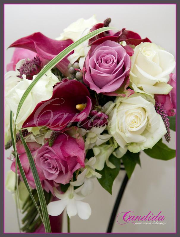 Wiązanka ślubna z cantedeskii, róż, veronica, storczyka dendrobium, bukiet ślubny
