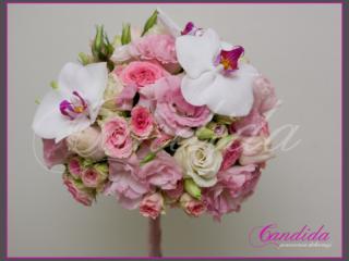 Wiązanka ślubna z różowych róż, różowej eustomy, storczyka phalenopsis, bukiet ślubny ze storczyków, eustomy i róż