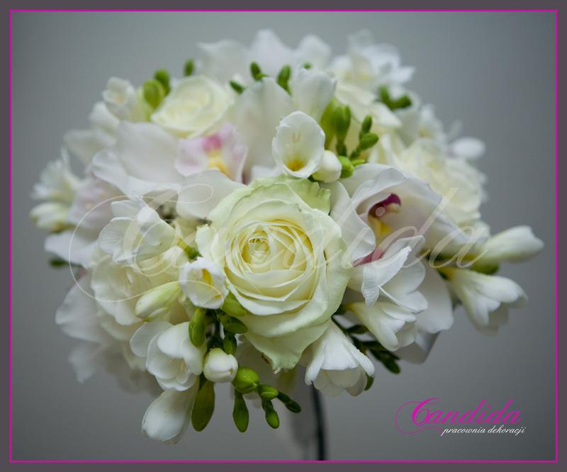 Wiązanka ślubna z róż avalanche, białej frezji, storczyka cymbidium