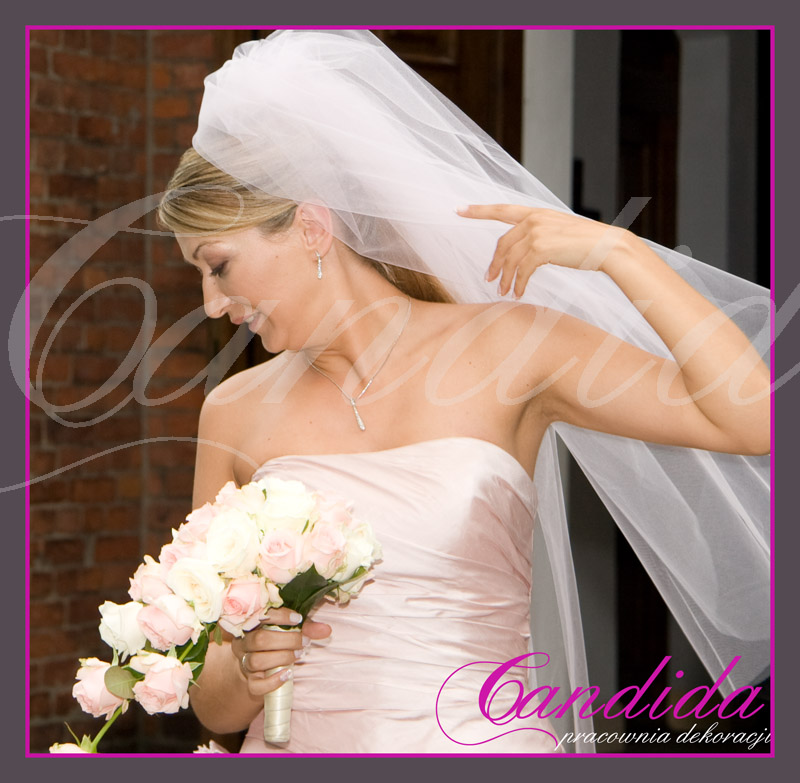 Wiązanka ślubna z różowej róży