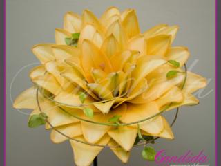 Wiązanka ślubna, kameliowa z żółtej lilii
