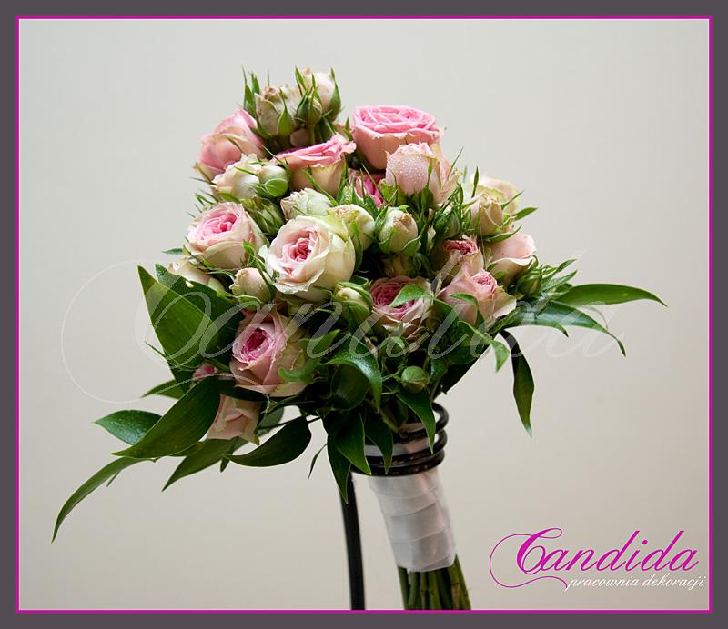 Wiązanka ślubna z róży gałązkowej