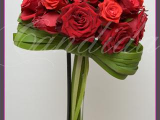 wiązanka ślubna z czerwonej róży, bukiet ślubny z róz